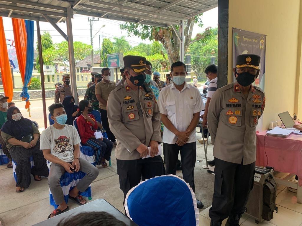 Wakapolda Lampung Tinjau Vaksinasi di Way Kanan